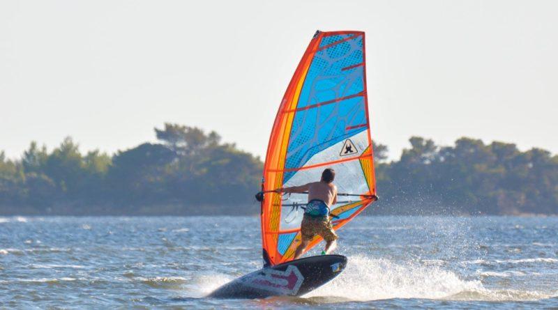 windsurf maniacs school stagnone 10